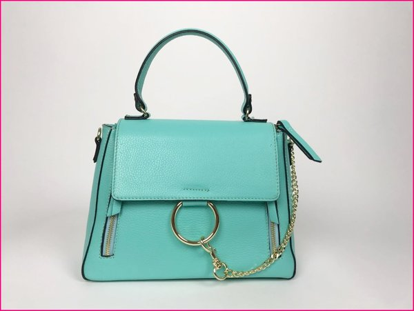 Borsa color tiffany con finiture dorate, tracolla compresa. ( 28x22x10 )