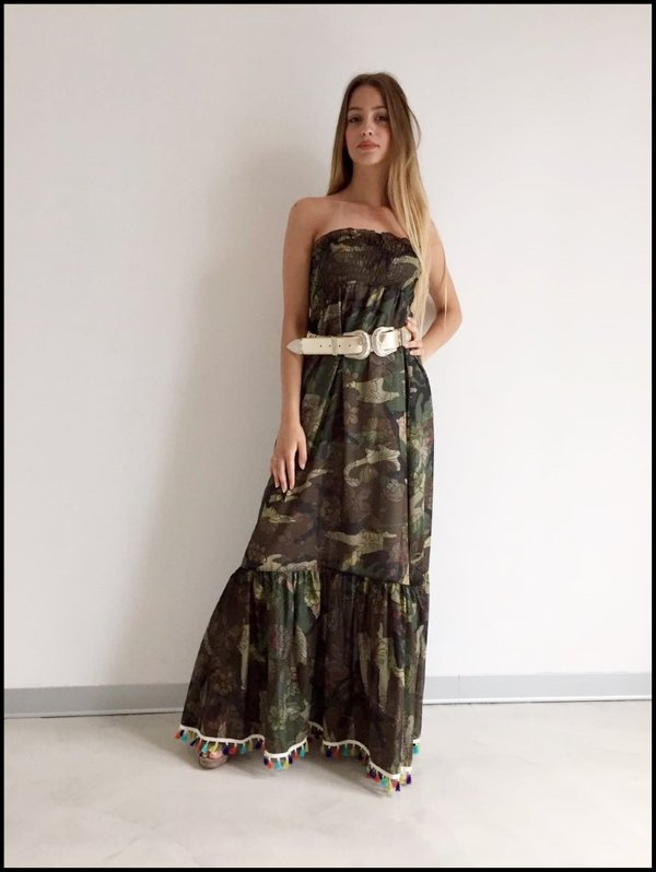 Long dress taglio dritto camouflage con nappine colorate.