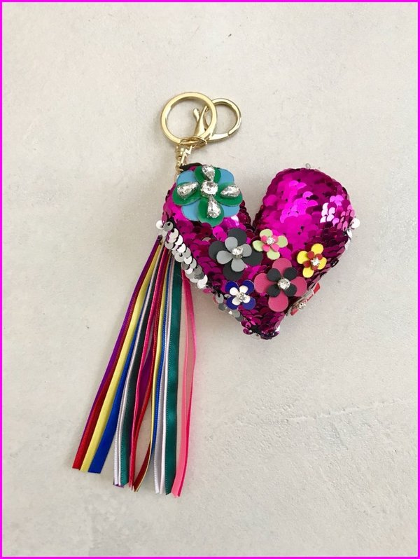 Charms cuore fucsia in paillettes con frange multicolore